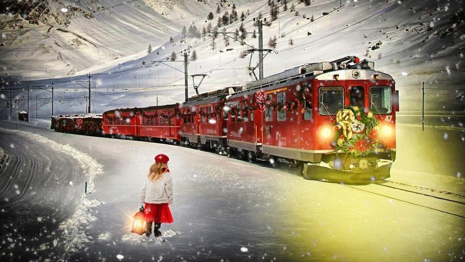 サンタさんからお菓子をもらおう!三岐鉄道北勢線「サンタ電車」ご当地ゆるキャラも登場