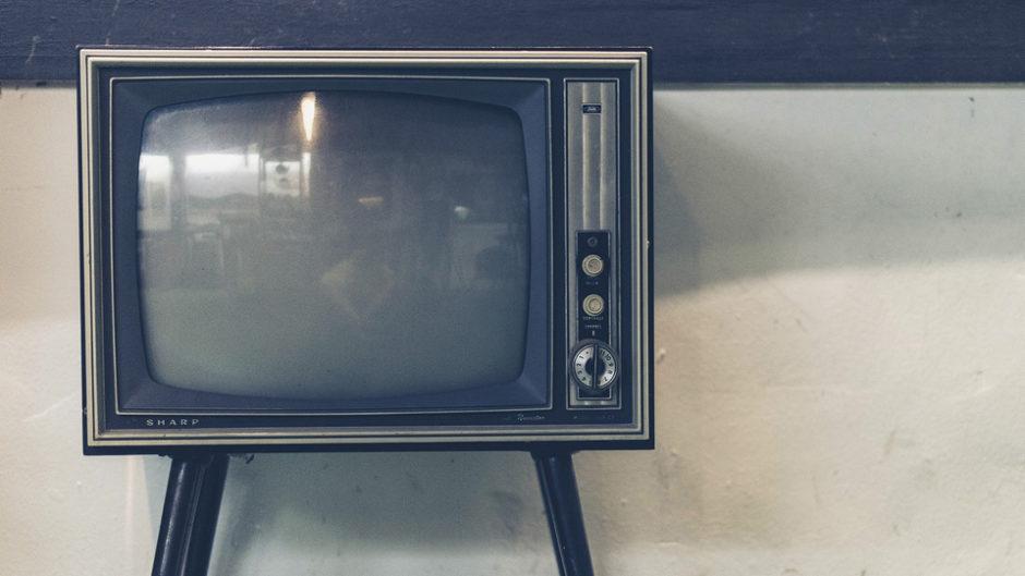 大人気深夜番組「ピエール瀧のしょんないTV」の大展覧会がららぽーと磐田で開催!