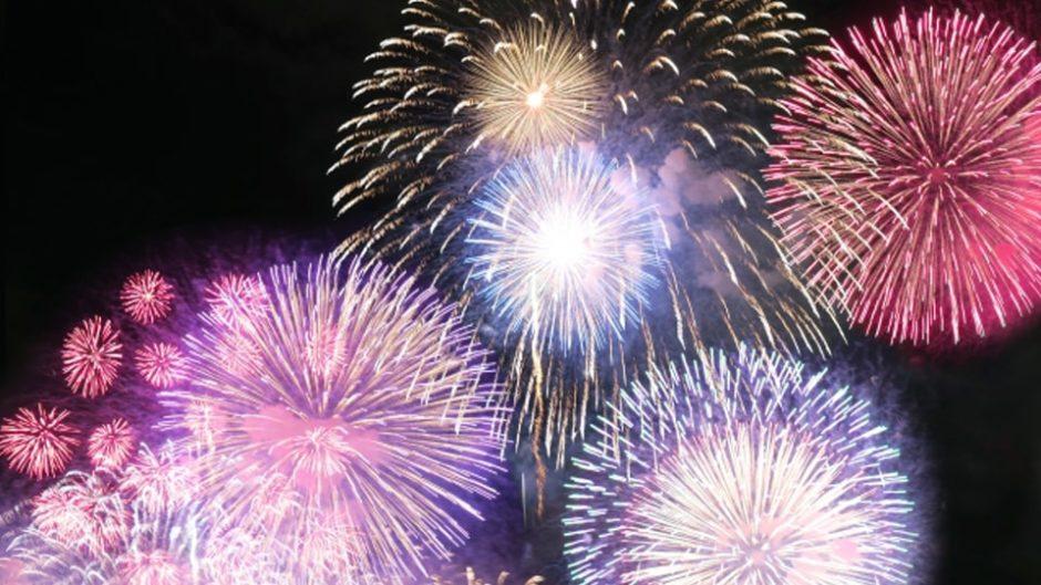 全国から選抜された有名花火師の芸術品!長島温泉「花火大競演」を楽しむポイント