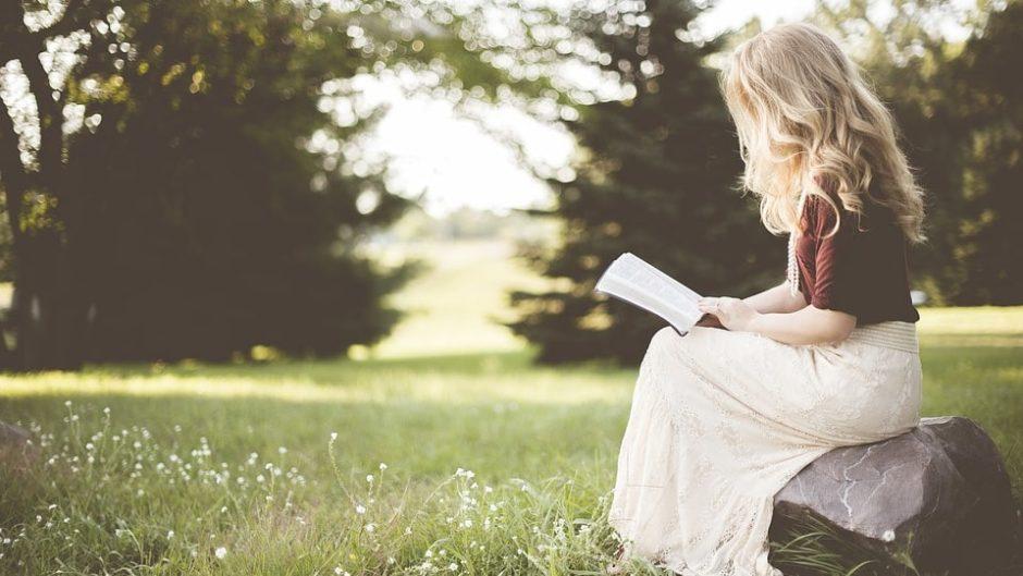 "BOOK PICNIC 2019 ""読書の秋""に芝生の上でのんびりと読書はいかが?"
