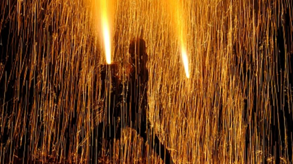 手筒花火発祥の地、豊橋の夏の風物詩「豊橋祇園祭」