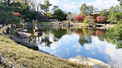 日本の自然景観を凝縮した庭園「徳川園」で四季の花を愛でよう!