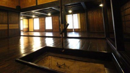 国の重要文化財にも指定!飛騨高山を代表する建物「日下部民藝館」