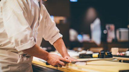へい!いらっしゃい!気分は寿司職人♪「にぎり寿司体験 あかざわ」