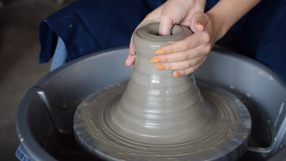 自然の中でろくろ体験♪「陶芸体験 八幡野窯」