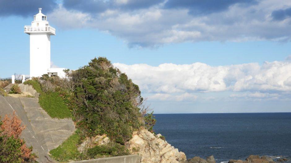 【安乗埼灯台】現役の灯台に登ったら絶景が見えてしまう!