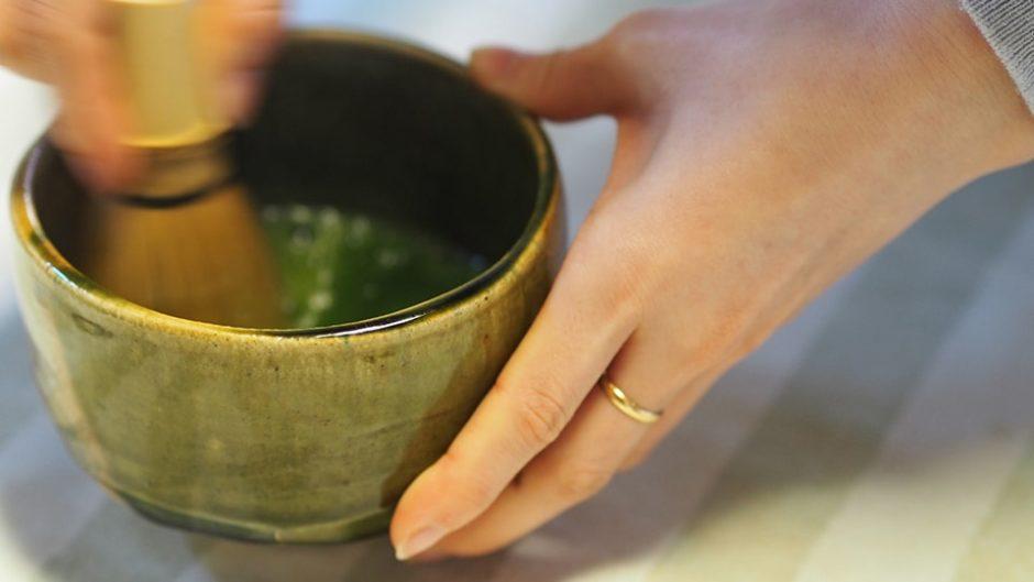 抹茶とアートを一挙に味わう、上質な時間♪「松鶴園 本店」