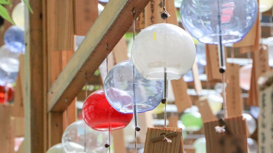 夏の癒し♪揺れる風鈴と名物かき氷を堪能しよう!静岡県「法多山 尊永寺」