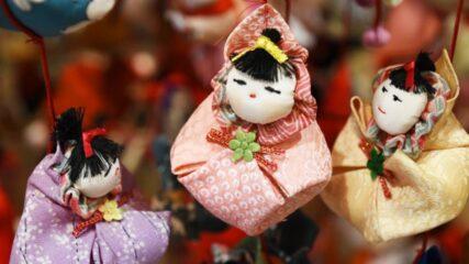 韮山反射炉すぐ横!蔵屋鳴沢で「つるし飾り雛」開催中